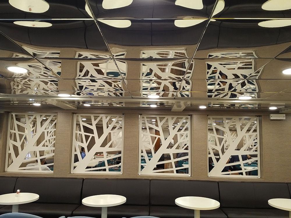 Very contemporary decor