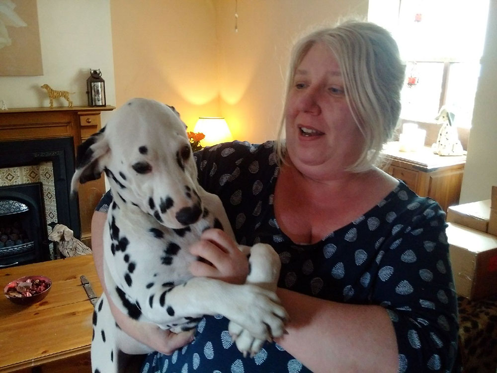 Goodbye cuddles for Greenbean from Louise