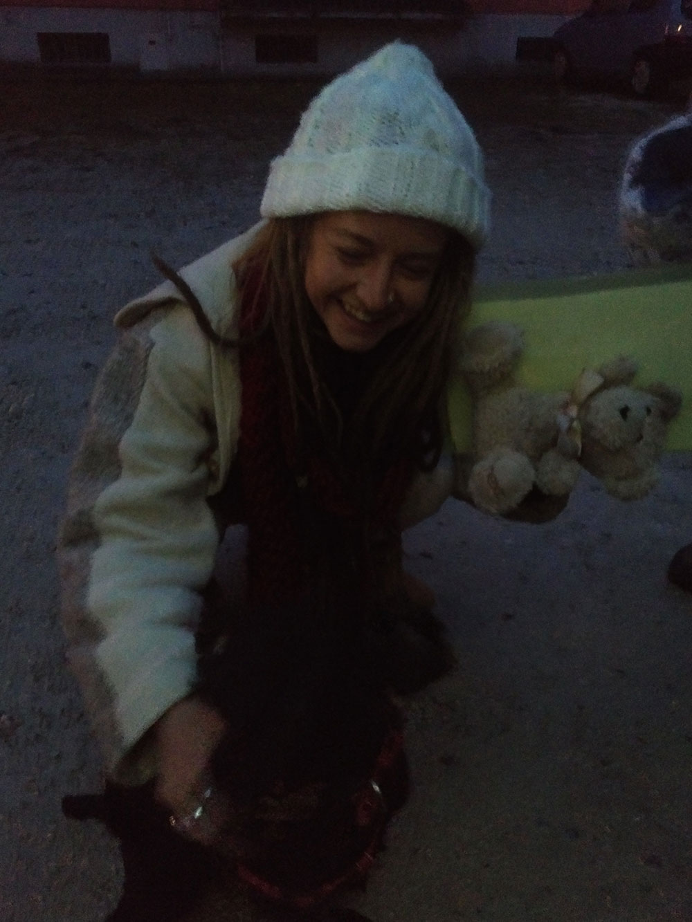 On reaching Verona, Tilly gives Lindsay her teddy and gets a big hug in return