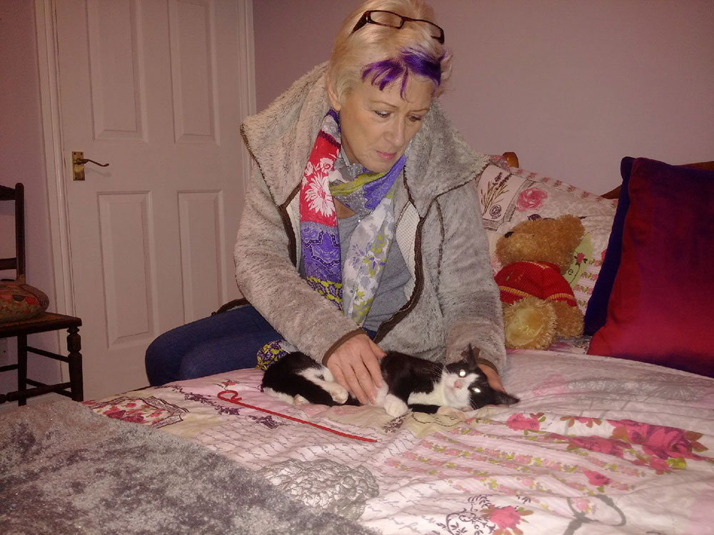 Oberon immediately settling in with new owner Rosie