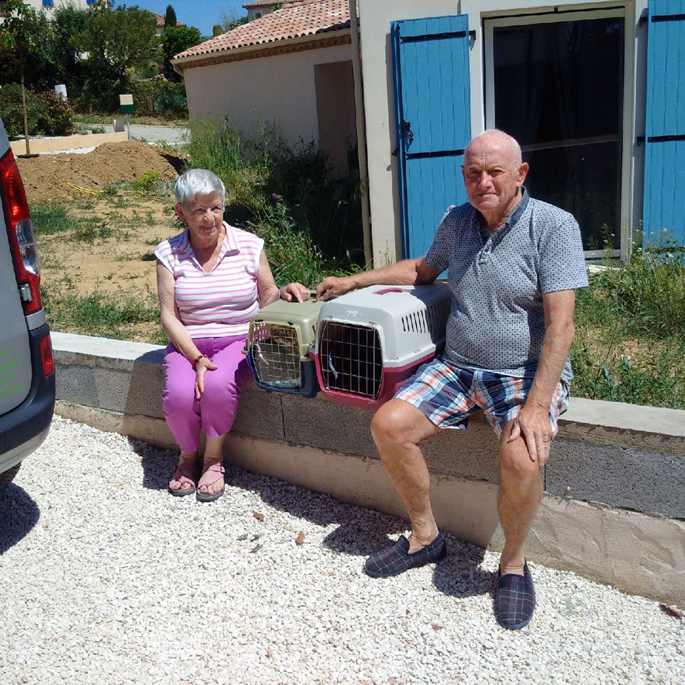 Joan and Terry saying 'au revoir' to their beloved cats