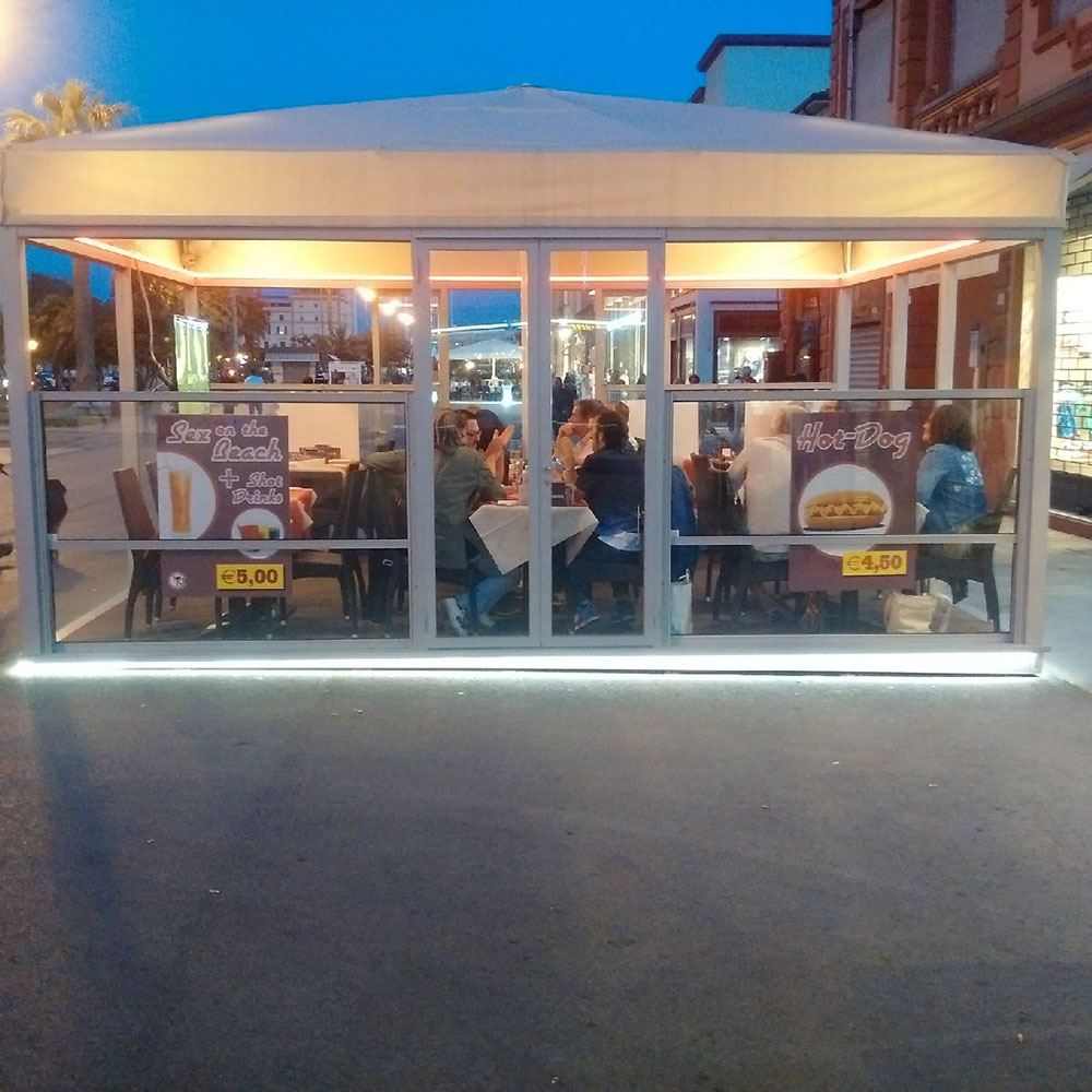 This restaurant on Viareggio's promenade was positively humming. Perhaps the offers posted in the windows were too good to miss!