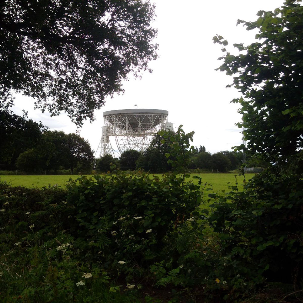 travelling between Italy: We collected Leone from Alderley Edge, not far from the world-famous Jodrell Bank observatory, which hosts a number of radio telescopes