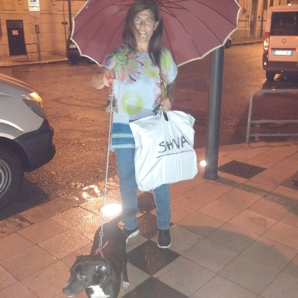 We reunited Shiva with Teresa at Reggio Calabria's central railway station on a rather wet evening, but nothing could dampen Shiva's enthusiasm!