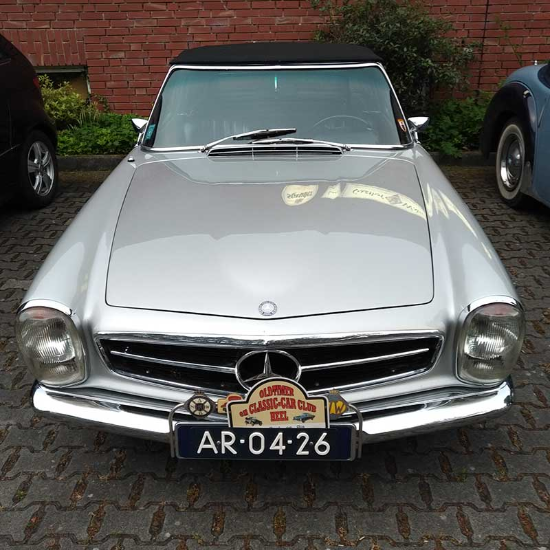 A classic car convention was in full swing at the hotel. This Merc caught courier Richard's eye…