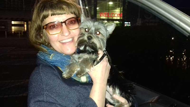 trips with pets: Big hugs for Nipton with Nina