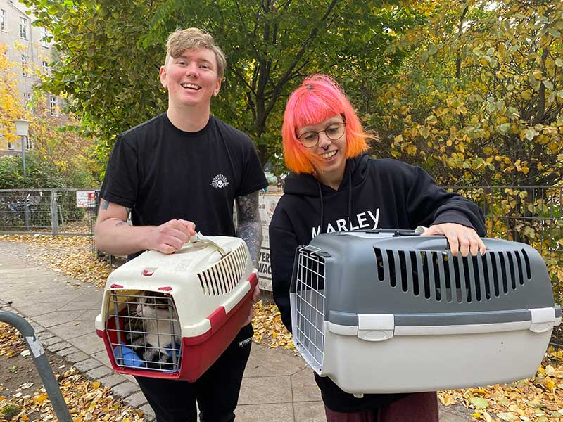 A trip to Berlin : A warm welcome for Edgar and Loki